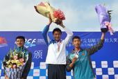 图文:全国青年皮划艇马拉松大奖赛 领奖台