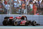 图文:F1阿布扎比大奖赛 莱科宁遗憾退赛