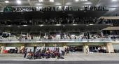 图文:F1阿布扎比大奖赛 韦伯