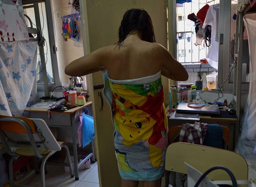 广西大学头像拍摄宿舍女生生活系列摄影作品获凌乱女生女生美图片