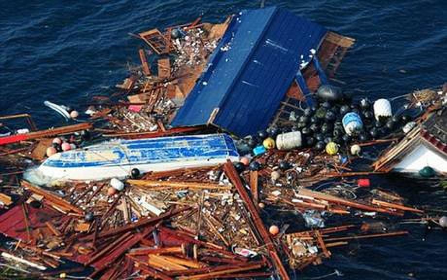 """日本巨型""""垃圾岛""""漂向美国 面积如得州(图)"""