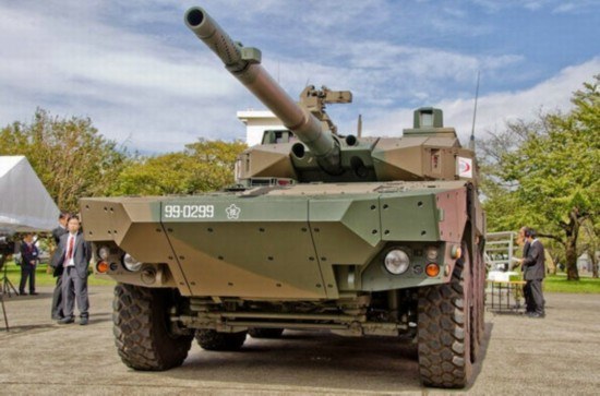 组图:日本为钓鱼岛造13式战车 中国轮式坦克不惧
