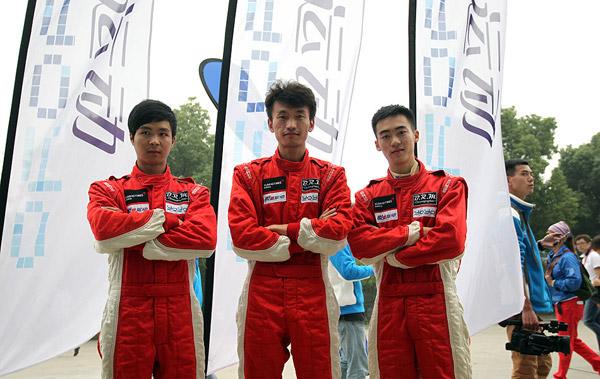 锐思车队三位年轻车手