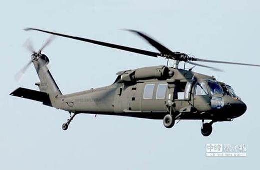 美国UH-60M黑鹰直升机。
