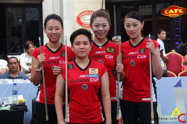 图文:女王杯亚洲队夺冠 亚洲队合影