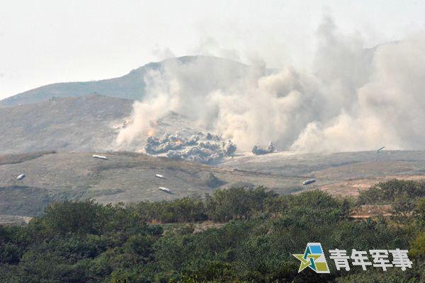 原文配图:解放军第一集团军炮火覆盖。