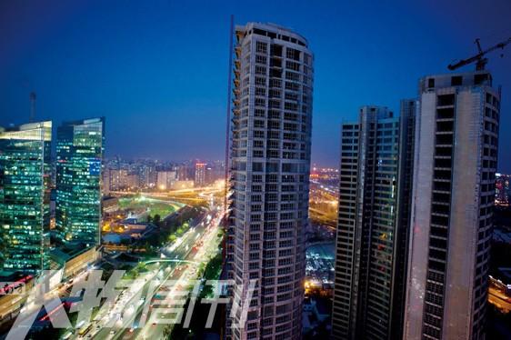 长安8号所处的华贸商圈是北京发展最快,也是最重要的中央商务区之一(梁辰) 南方人物周刊版权所有