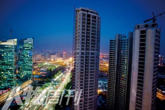 长安8号所处的华贸商圈是北京发展最快,也是最重要的中央商务区之一(梁辰)