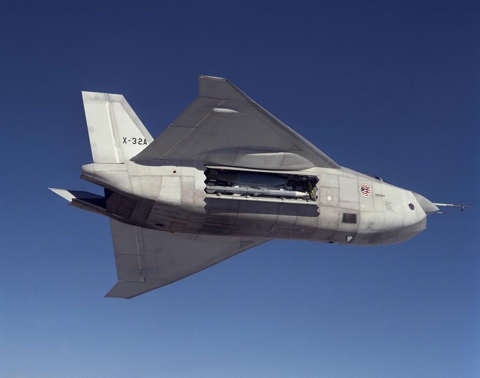 生日��.d9b�9�yf�x�_技术超前yf-23和x-32分别在1991年和2002年竞争美国下一代战斗机中