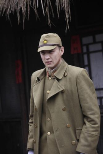 湖南经视730_《狼烟遍地》24日首播 靳东对决周一围 -搜狐娱乐
