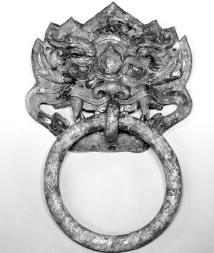 鎏金铜铺首