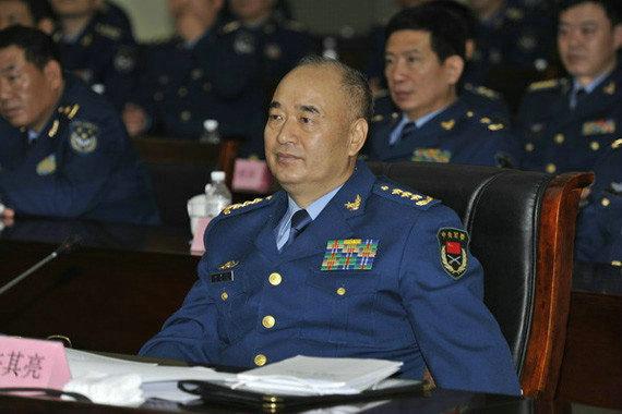 资料图:中共中央政治局委员、中央军委副主席许其亮。