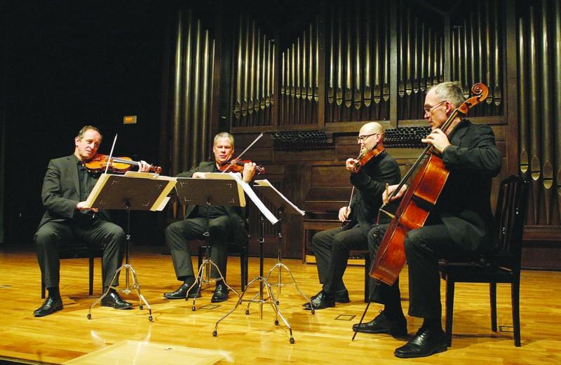 莫扎特弦乐四重奏这一名称来源于著名乐团莫扎特管弦乐团,该乐团
