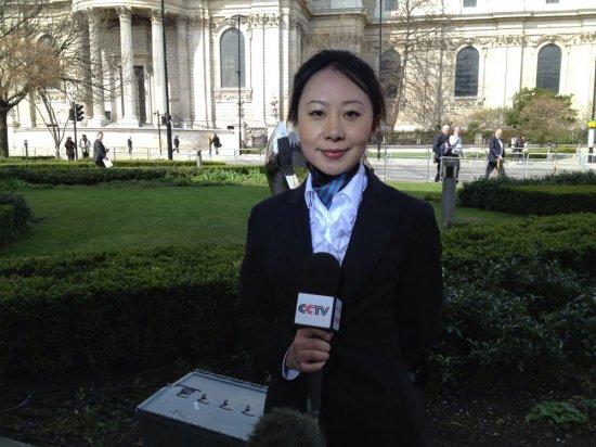 女记者被赞央视女神
