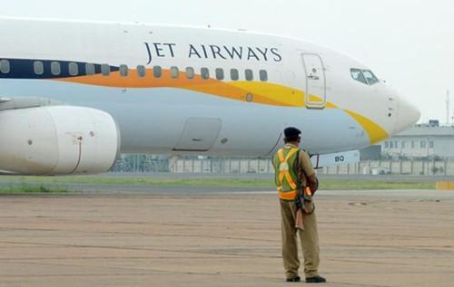 发现黄金的飞机属于印度捷特航空公司。
