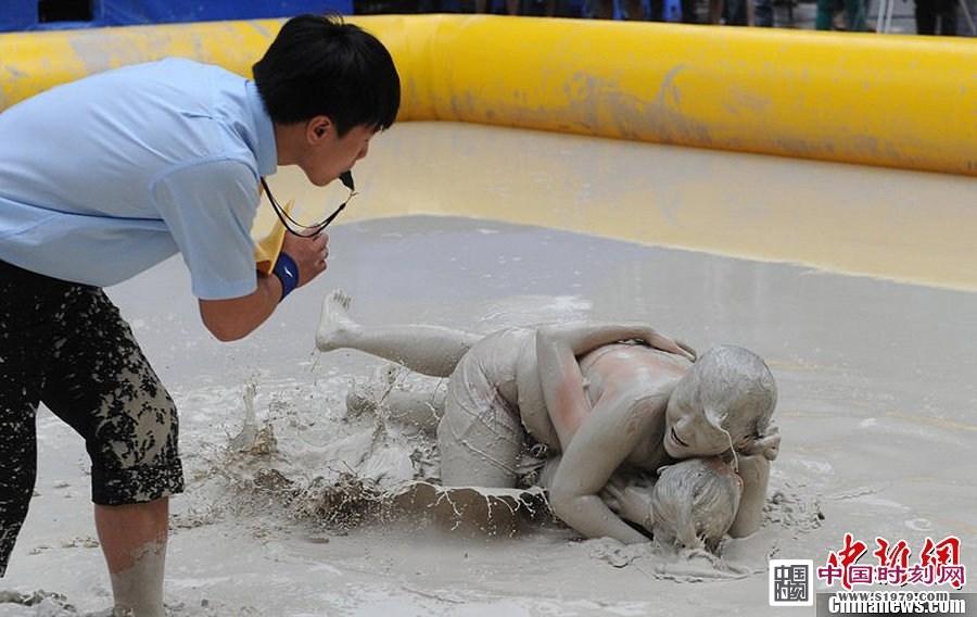 日本女子摔跤惊爆现场