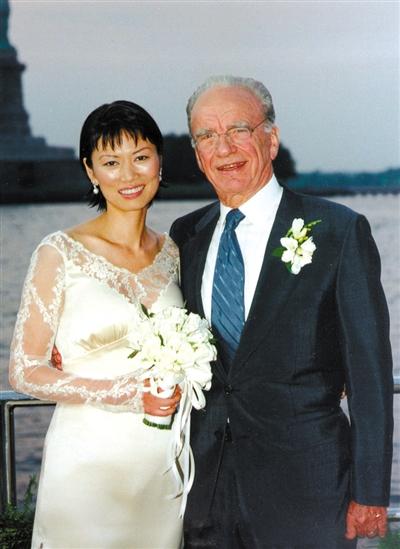 10分钟了断14年婚 邓文迪吻别默多克