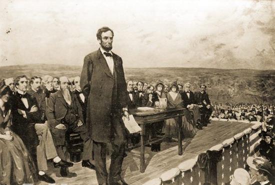"""美国第16位总统亚伯拉罕林肯(18091865,1861年和1864年连任总统)是美国第一位遇刺身亡的总统,林肯被美国人称为""""最佳总统""""。1862年,林肯总统发表《解放黑人奴隶宣言》,他坚决主张废除奴隶制,并领导联邦政府和军队击败了南方种植园主的武装叛乱,这场战争即著名的美国南北战争。林肯支持全美国永远废除奴隶制的言论和行为受到了美国人民尤其是黑人的拥戴,却遭到南方奴隶制维护者的极大憎恨。1864年林肯在总统连任竞选中获胜."""