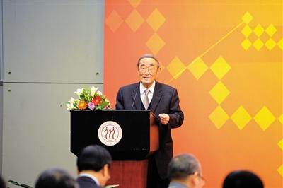厉以宁:中国经济双重转型的五个问题(组图)