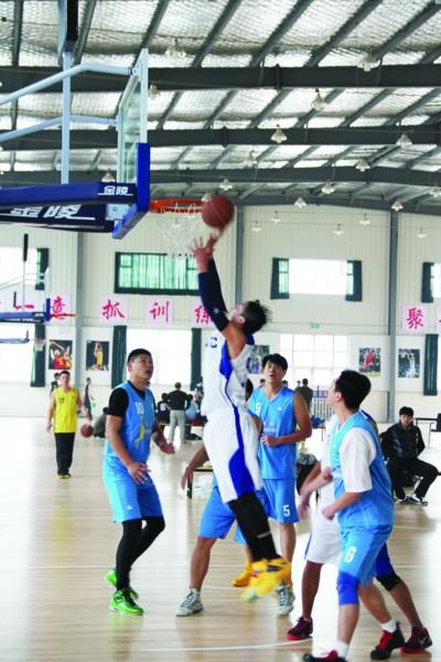 由青岛市篮球运动协会主办,市城阳体育训练基地承办的 2013年青岛市业