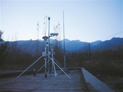 PM2.5监测仪器 通讯员王学萍摄