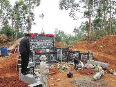 在建的活人墓被依法拆除