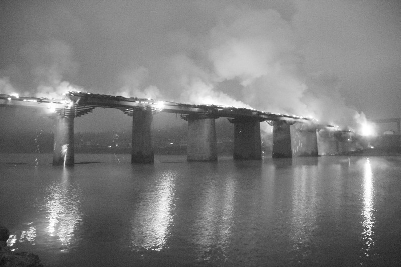 亚洲第一风雨廊桥失火烧毁 大火熊熊人心惊 图