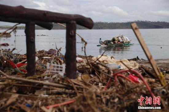 """资料图:受台风""""海燕""""影响最重的菲律宾莱特省。中新社发 刘关关 摄"""