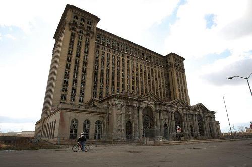 底特律正式宣布破产 昔日汽车城变鬼城(组图) 底特律破产-搜狐滚动