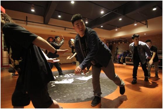"""韩国B-boy顶级舞者Jotee亲自操刀Breaking""""技战术"""""""