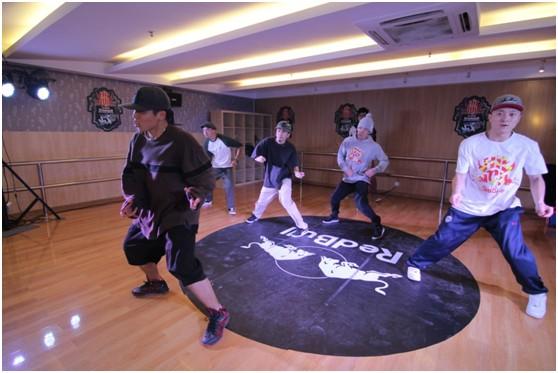韩国顶尖街舞大师J.Black为冠军选手传授Hiphop技巧秘籍