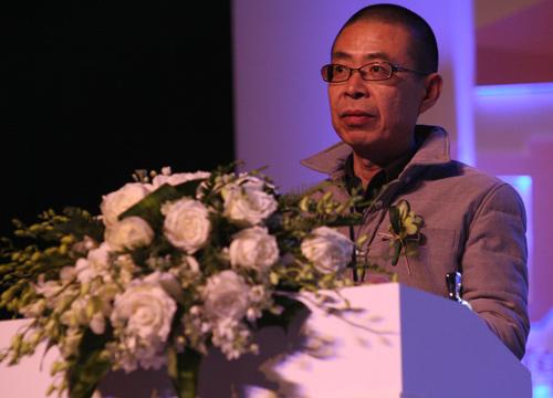 年度诗歌获奖人李亚伟发表获奖感言