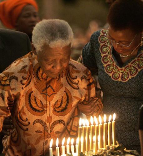 95岁曼德拉逝世 珍贵照片讲述其传奇一生(组图)
