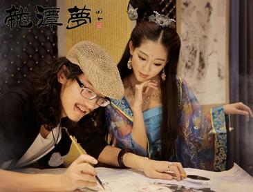 田七先生与祝绪丹在影片《龙潭梦》