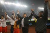 足协杯图:人和总分3-2恒大夺冠 贵州将帅致谢