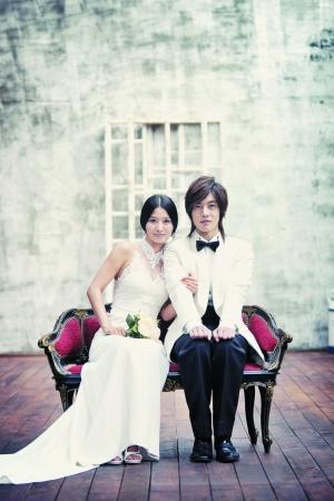 金贤重和皇甫惠静是《我们结婚了》第一季的假想夫妇.