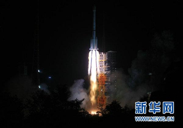 中国网事 嫦娥三号为何绕月8天才登月