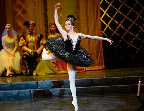 俄罗斯国家克里姆林宫芭蕾舞团《天鹅湖》(资料图)