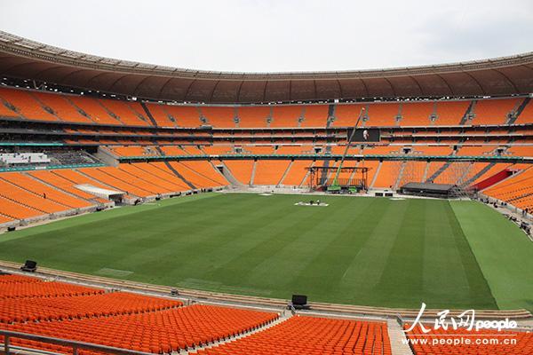 南非第一国家银行体育场修建于1987年,能够容纳近10万名观众。摄影 王欲然