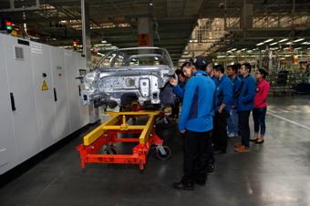 之旅 意见领袖一汽 大众佛山工厂参观 一汽夏利 000927高清图片