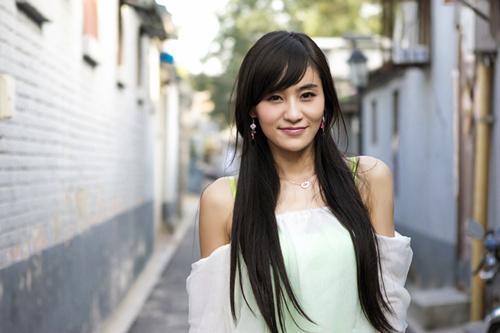 青年演员刘洋影子