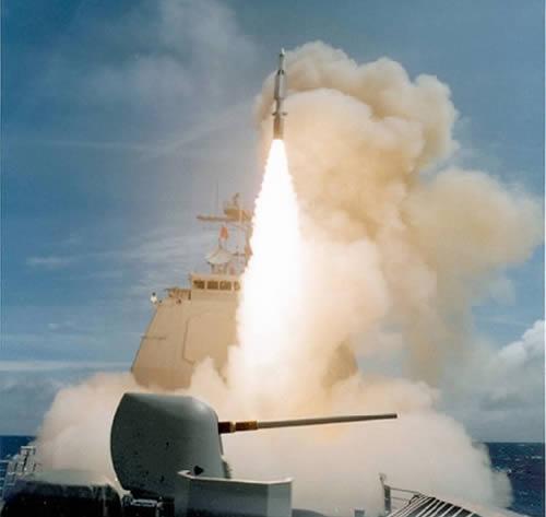资料图:美国海军发射标准-3防空导弹。