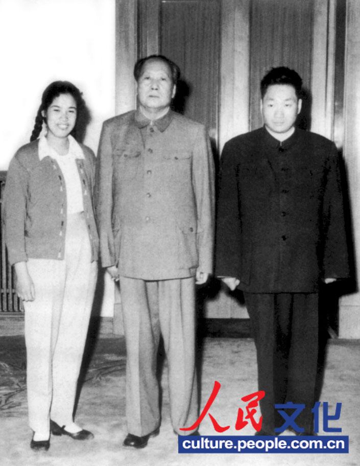 毛泽东遗体在_毛新宇新书《母亲邵华》公开父母结婚照(组图)-搜狐福建