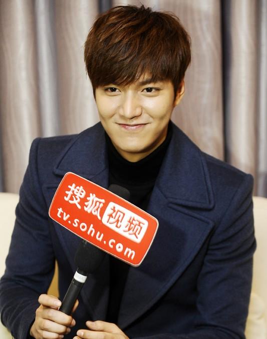 李敏镐接受搜狐娱乐专访。【点击查看组图】