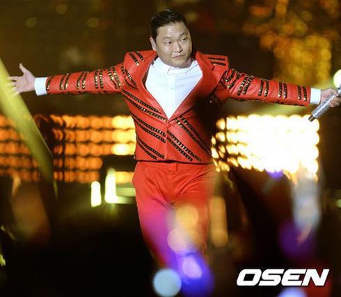 鸟叔Psy首尔演唱会 盛况空前