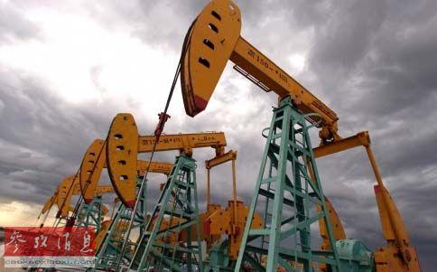 中国石油天然气集团公司在南美洲拥有的一处油井.图片