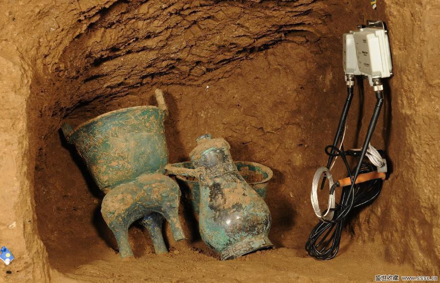 陕西凤翔发现一批青铜器 疑似战国墓葬出土