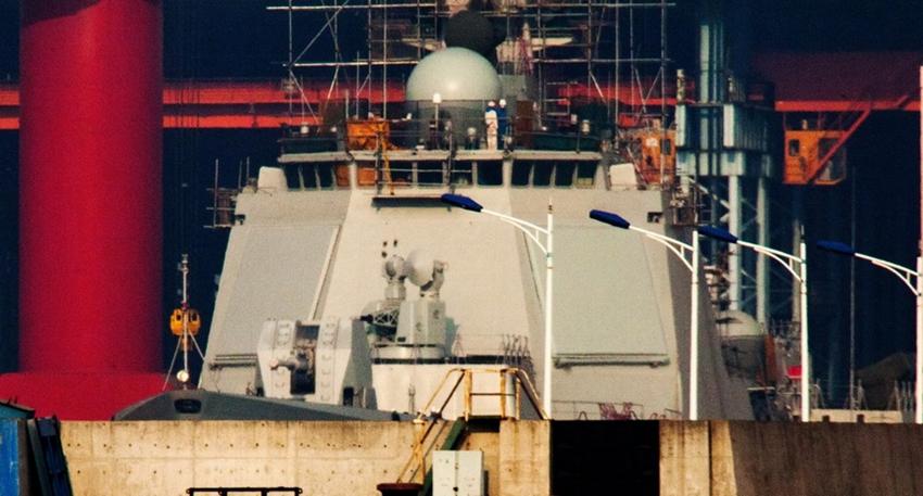 中国第四艘052D型驱逐舰下水_高清:盘点中国2013年新型舰艇(组图)-搜狐滚动