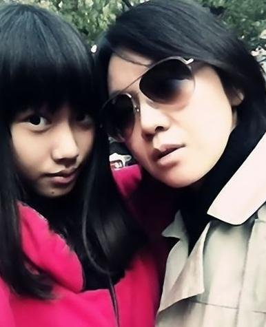 闫妮和女儿