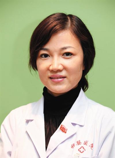 李晨阳 毕业于中国医科大学,医学博士后,主任医师。现任沈阳市妇婴医院院长兼产科主任。